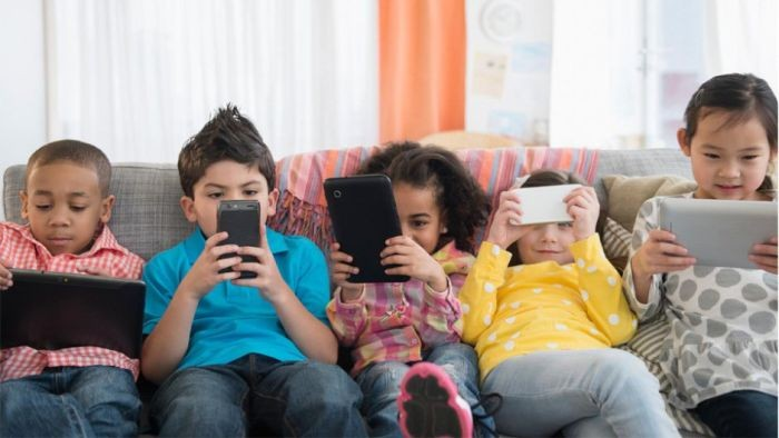 Πολυμέσα – Η Επίδραση της υπερβολικής χρήσης των Ηλεκτρονικών Μέσων Επικοινωνίας σε βασικές λειτουργίες του νευρικού συστήματος παιδιών και εφήβων
